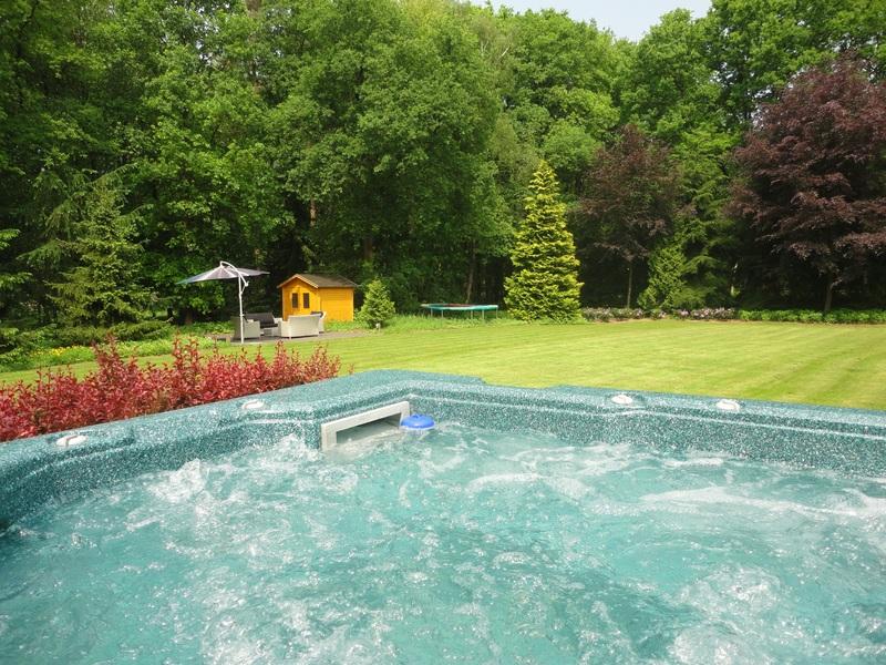 Luxe vakantievilla in garderen met eigen jacuzzi en sauna for Vakantiehuis met jacuzzi